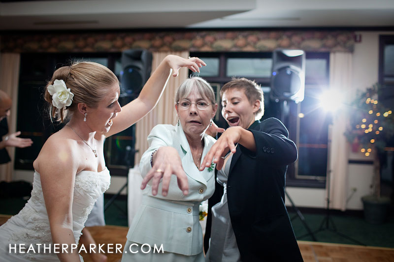 impromptu thriller dance at wedding reception