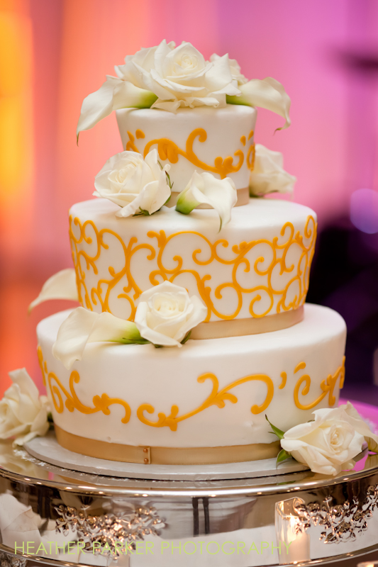 wedding cake Jewell Events Catering chicago caterers