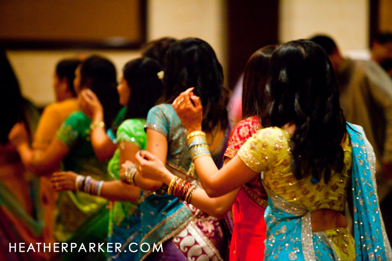 raas garba dancing indian wedding near chicago il