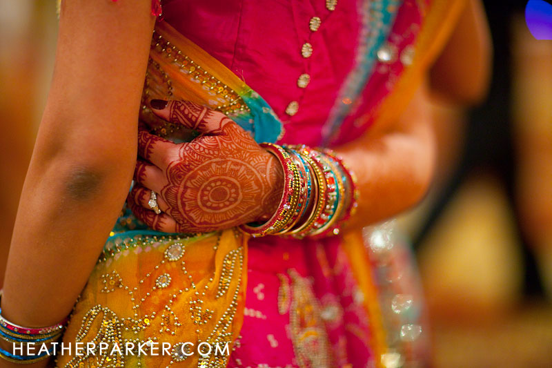 mendi heena near chicago raas garba dancing